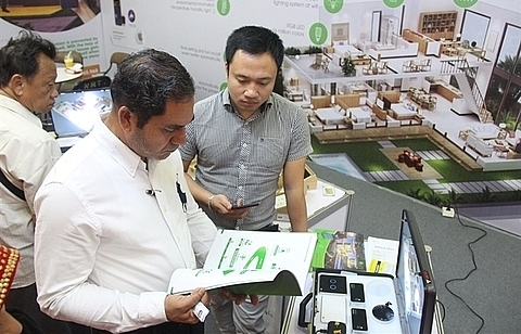 Firms urged to be cautious when exporting to Myanmar
