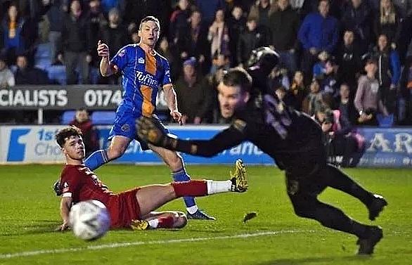 Liverpool held at Shrewsbury as Man Utd, Man City cruise in FA Cup