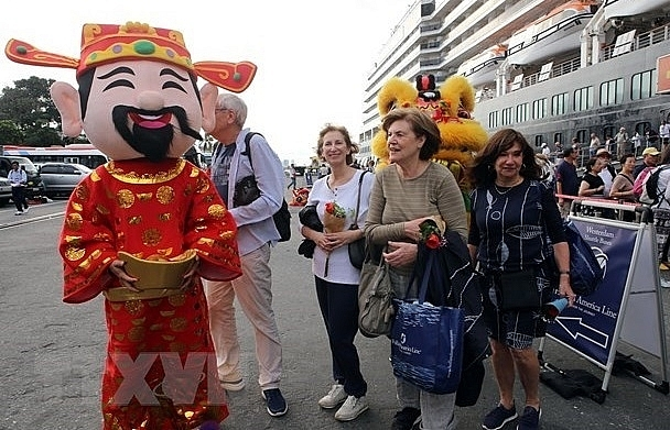 Foreign arrivals to Vietnam surge 32.8 percent in January