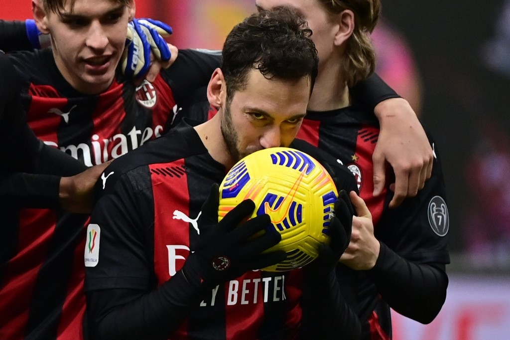 milan beat torino on penalties to reach italian cup quarter finals