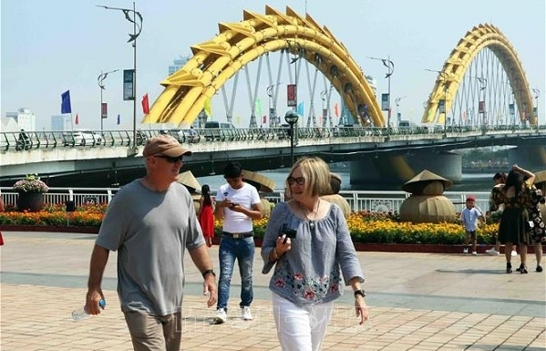 da nang treasures contributions of foreigners city leader