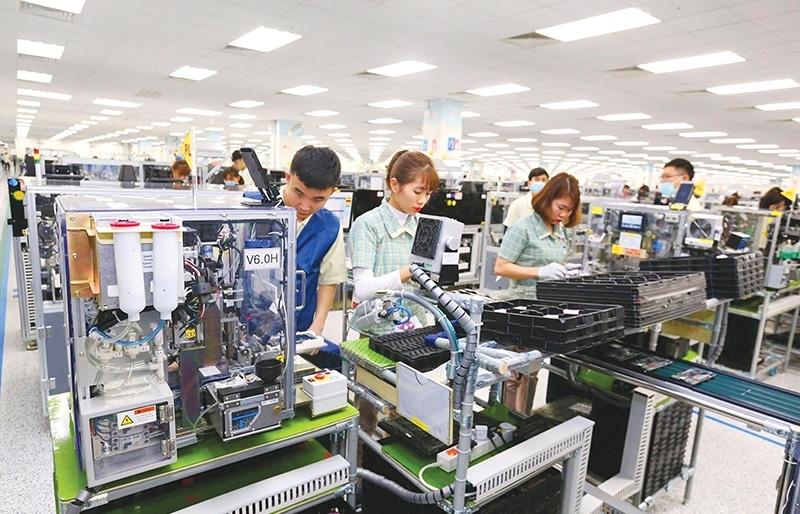 Companies scramble to ensure Lunar New Year pay bonuses