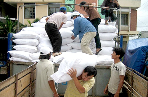 Rice inches up ahead of stockpiling plan