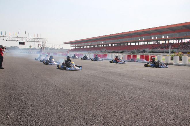 Dai Nam racecourse opens without gambling