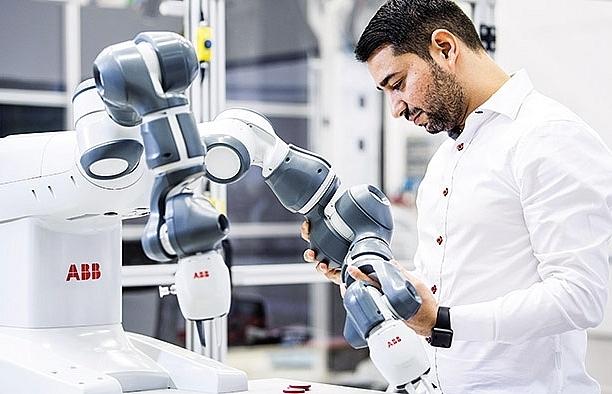 Robotics conquers 4.0 manufacturing