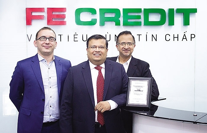 FE Credit sweeps up new accolades