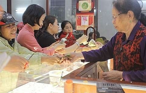 Gold prices to climb as investors seek safe haven