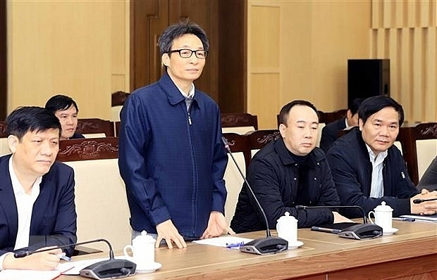 Deputy PM works with Vinh Phuc on nCoV fight