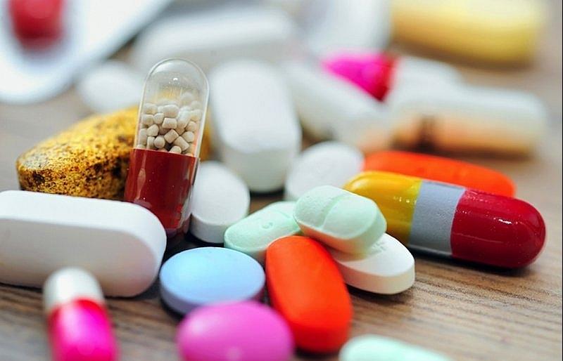 Pharmacies battle for market share