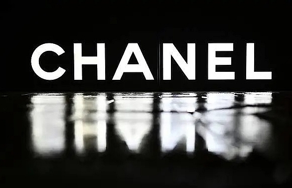 Chanel halts Beijing fashion show over COVID-19 fears