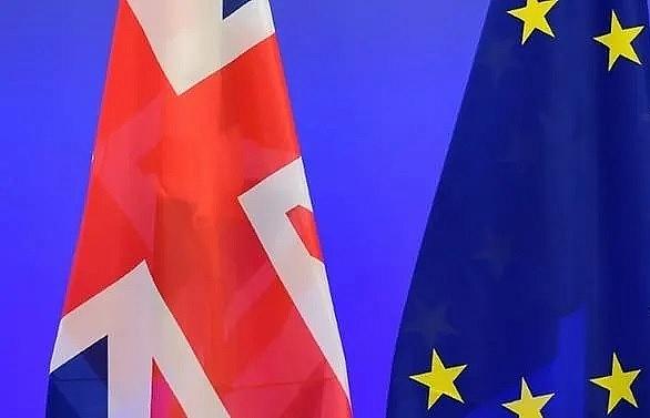 UK talks tough on EU post-Brexit trade deal