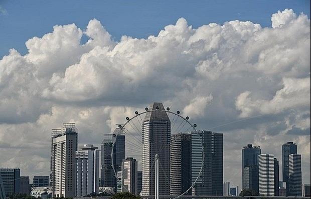 Singaporean economy on recovery, uncertainties remain