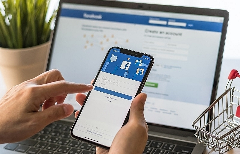 Australia and Facebook in talks over sweeping news ban