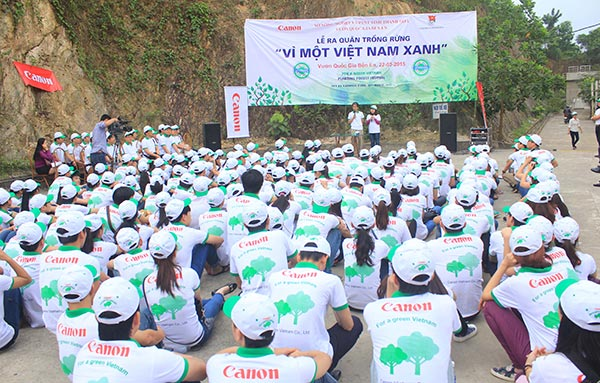 Canon Vietnam deploys planting forest cooperation project for 2015