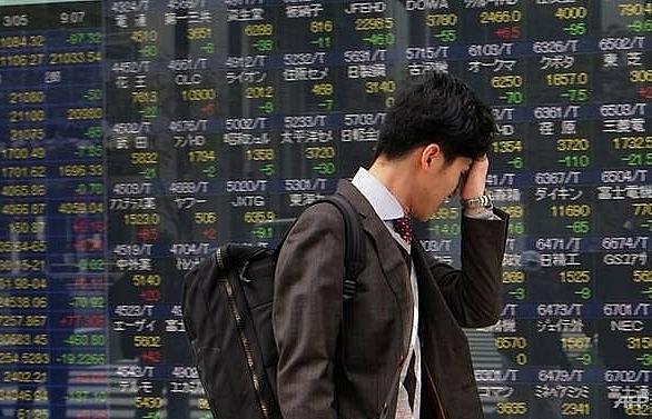 Asian markets sink again as Trump fans trade war fears
