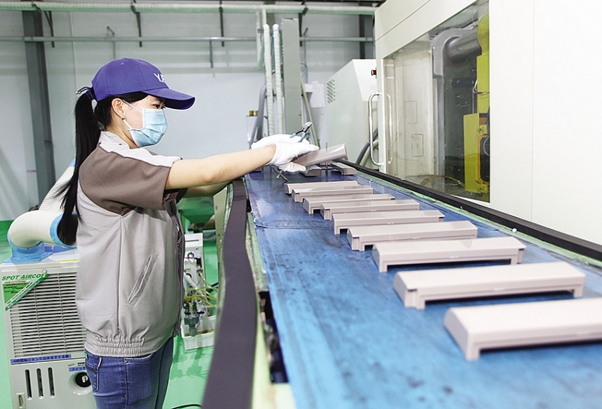 japanese firms seek fresh base for investments