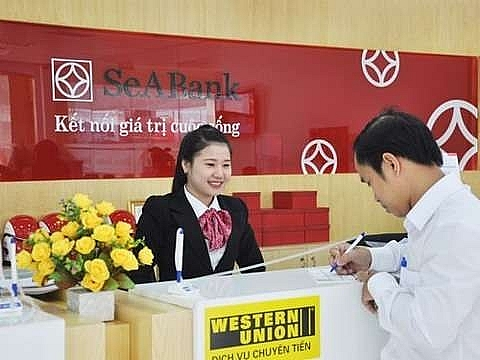 banks struggle to lure long term capital