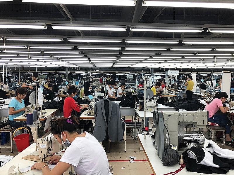 vietnamese apparel hits higher gear