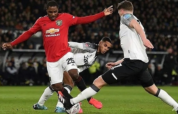 Ighalo's double denies Rooney as Man Utd move into FA Cup quarter-finals