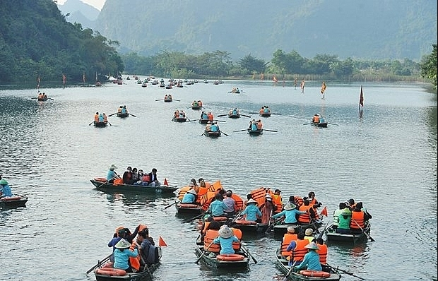 Ninh Binh province closes tourist sites as virus fears mount