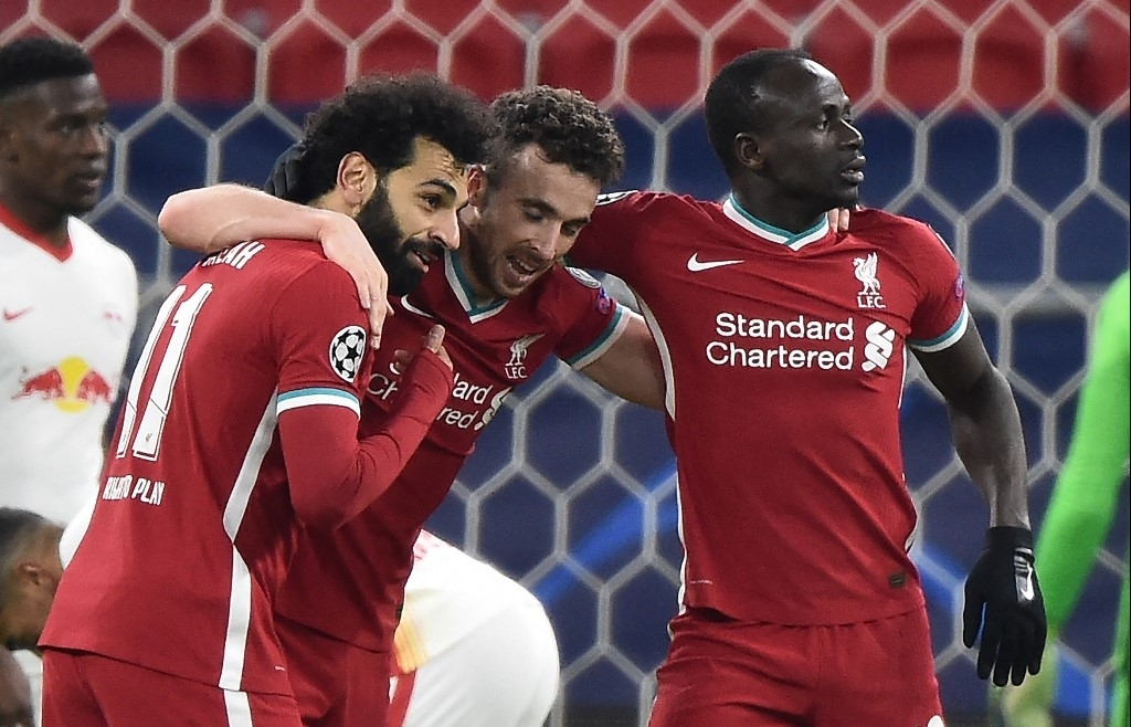 Liverpool 'switch off' domestic woes to ease into Champions League last eight