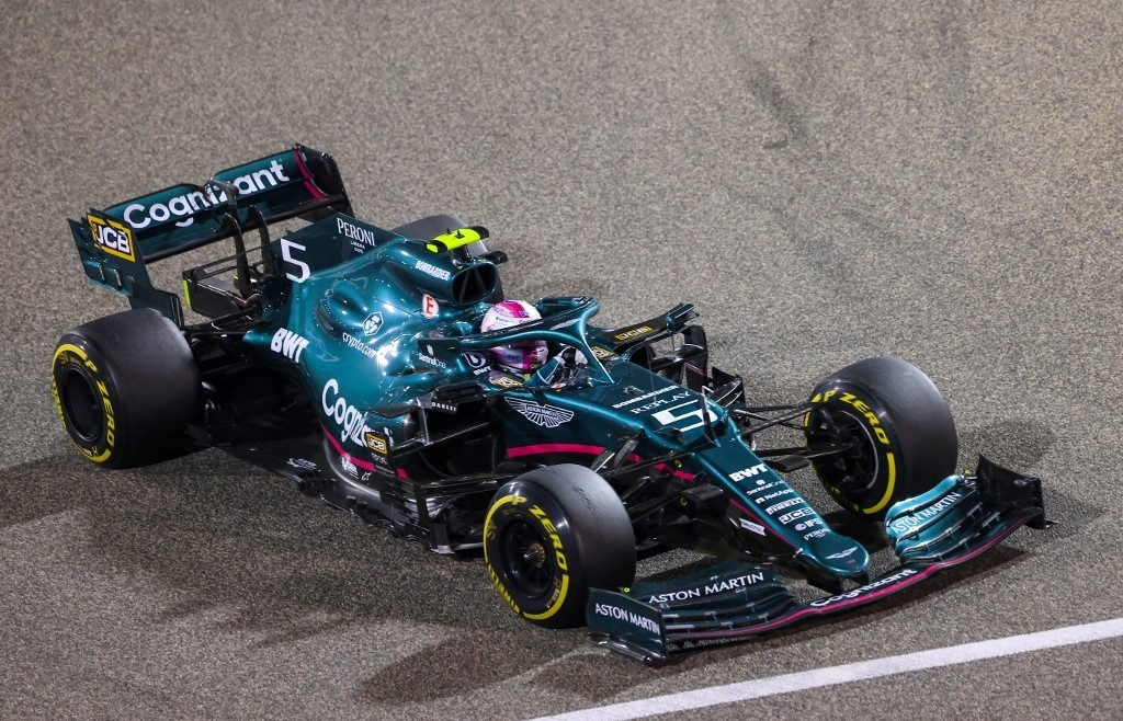 Vettel hit by five penalty points in 'tricky' Aston Martin debut