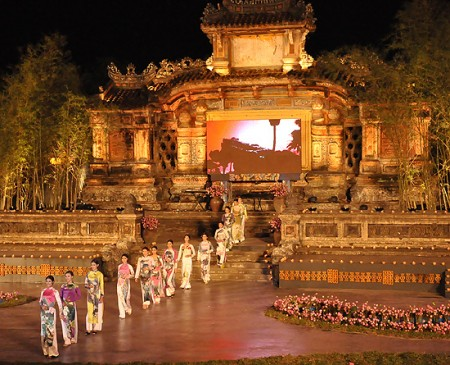over 30000 foreigners attend hue festival