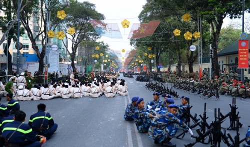 6,000 join rehearsal for Reunification Day celebrations in Ho Chi Minh City