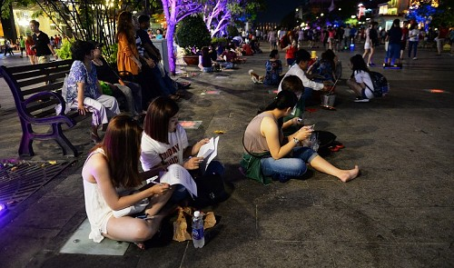 Ho Chi Minh City to ban eating, drinking from walking street