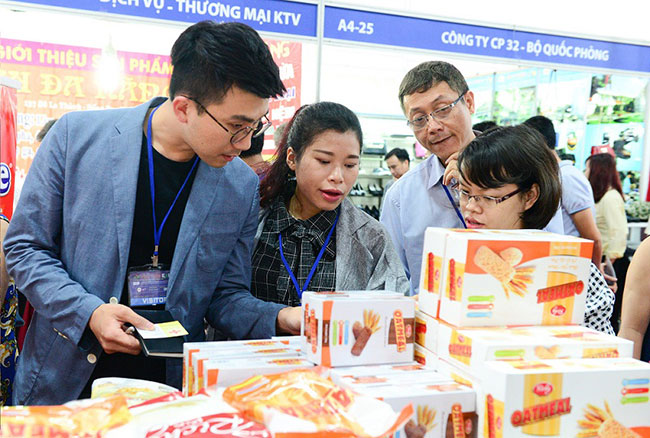 Lotte Mart in search of Vietnamese suppliers at VIETNAM EXPO 2016