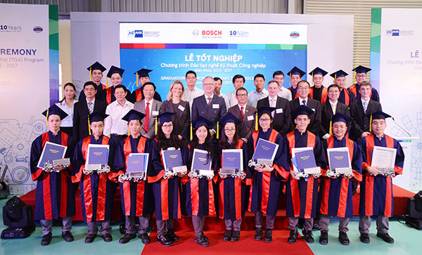 First generation of Bosch apprentices graduates