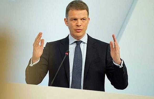 Crisis-hit Deutsche Bank replaces British CEO