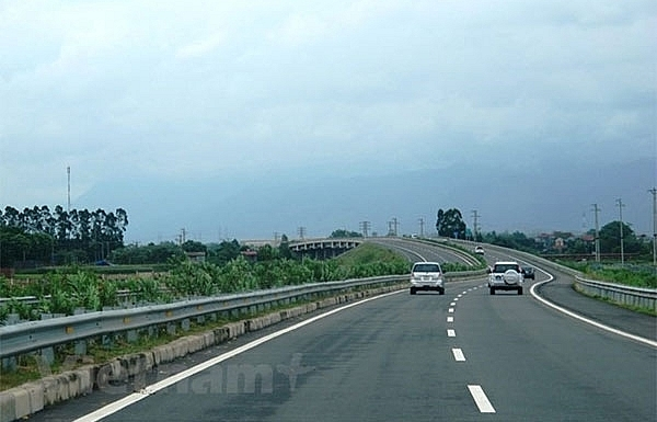 New expressway proposed to connect Hoa Binh and Son La