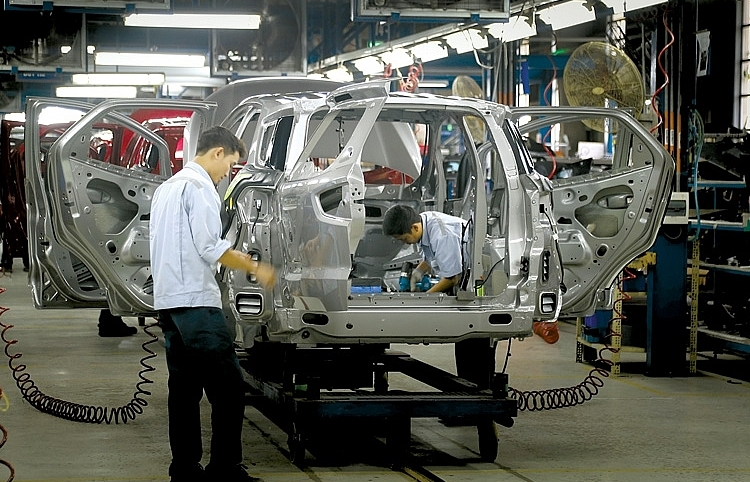 Foreign automakers switch to trading as Vietnamese scale up production