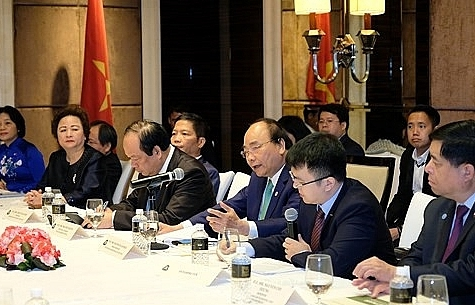 PM introduces investors to Vietnam's special economic zones