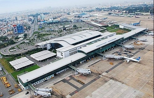 Private hands tied in airport projects