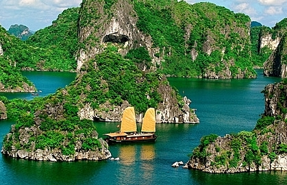 Ha Long Bay listed among 25 most beautiful places around the world