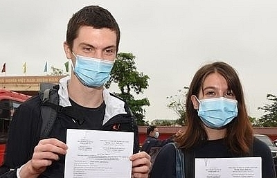 irish tourists pen heartfelt message following quarantine period