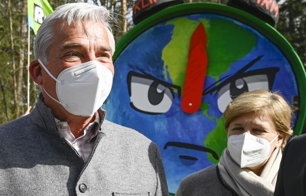 Climate activists look to 2021 to rebound from pandemic