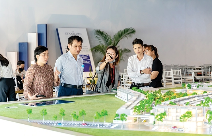 Charting course of land price frenzy