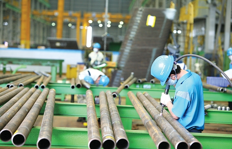 South Korean investors back from recess