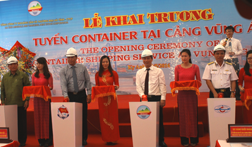 Container shipping route opens at Vung Ang port