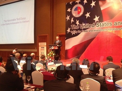 Vietnamese, US businessmen meet in Ha Noi, talk about TPP