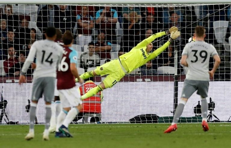 Lacklustre Man Utd seal second spot with stalemate at West Ham