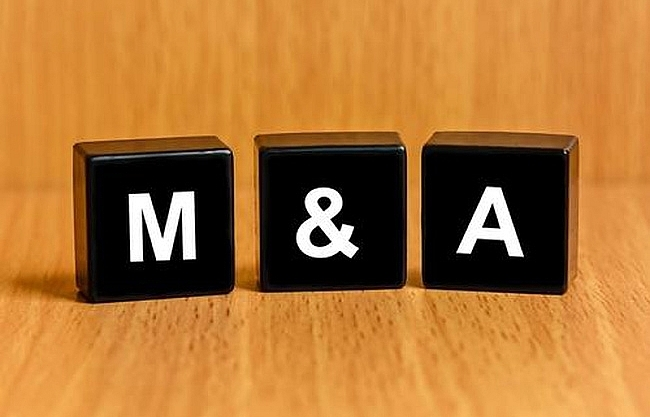 Commercial banks discuss M&As - again