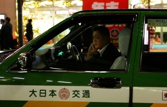 Uber taps into Japan with first taxi-hailing pilot
