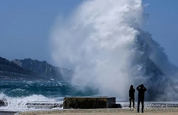 Two dead, one missing as freak weather hits Italy, France