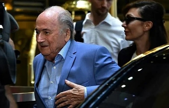 Blatter plans to sue FIFA and Infantino