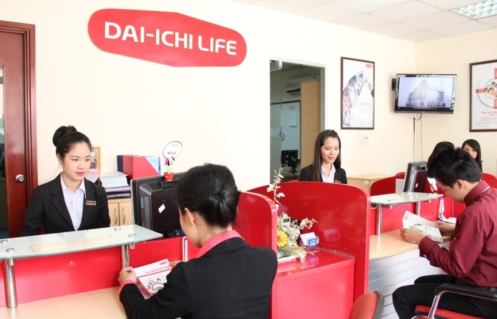 dai ichi life under fire over disputes