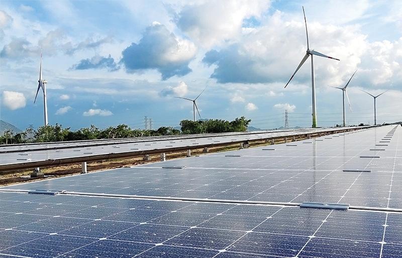 Barrage of solar projects as COD deadline looms
